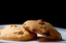 La jeune femme sort d'une licence de communication et ça se voit : voici une photo promotionnelle pour ses cookies qu'elle a prise elle-même.