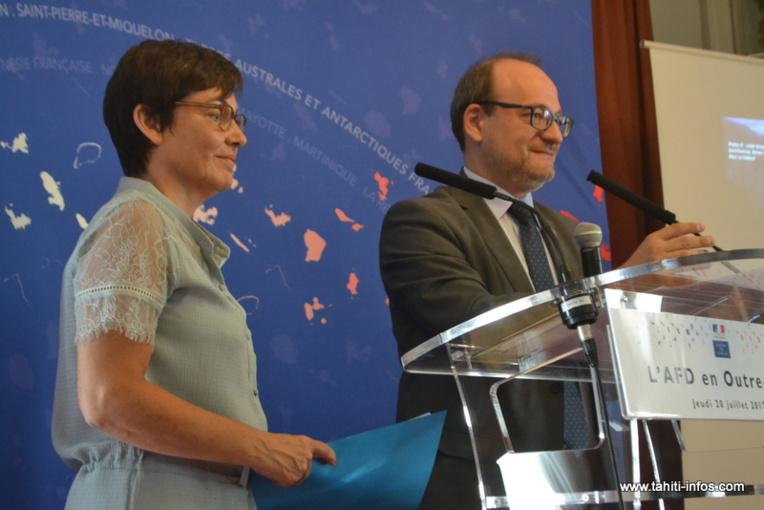 Annick Girardin, jeudi 20 juillet à Paris au ministère des Outre-mer, en compagnie de Rémi Rioux, le directeur général de l'Agence française de développement (AFD).