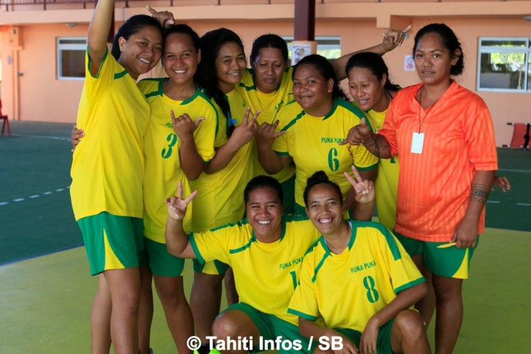 Les filles de Pukapuka se sont imposées en volley ball