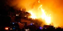 """Incendies dans le Var: """"On a vu le ciel rouge"""", racontent les habitants évacués"""