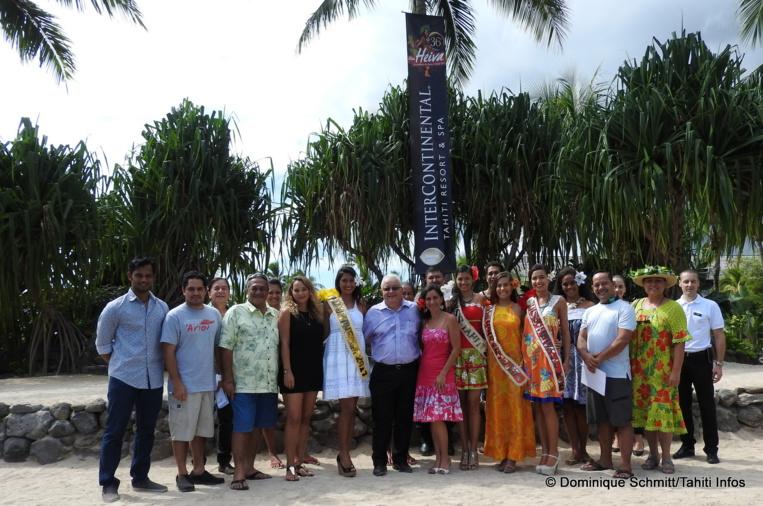 Autour de Miss Tahiti 2017 et ses dauphines, qui seront présentes chaque soir, les représentants des groupes et les organisateurs du Mini Heiva sur la scène du motu de l'InterContinental.
