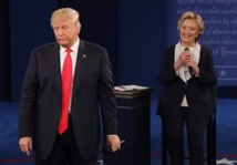 Sous pression, Trump tente de dévier l'attention sur Clinton