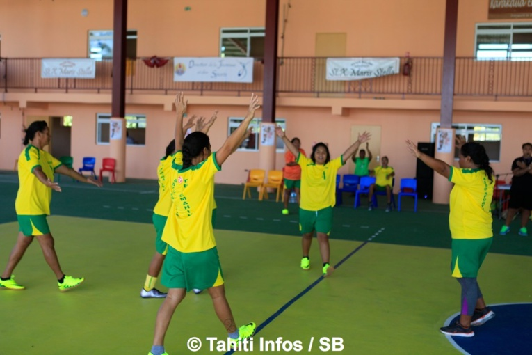 Le volley est une des disciplines de prédilection aux Tuamotu