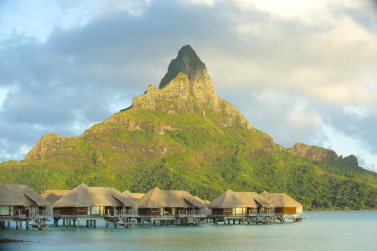 En mai 2017, l'île de Bora Bora, dans représente le tiers des nuitées consommées sur l'ensemble de la Polynésie française.