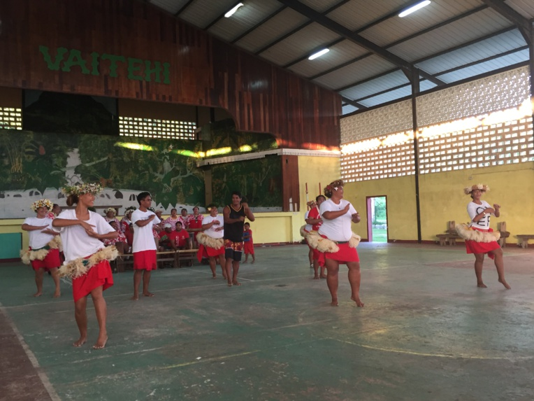 Le groupe a organisé sa répétition générale à Vaitehi avant de se produire à Aitutaki la semaine prochaine. Crédit : Commune de Bora Bora.