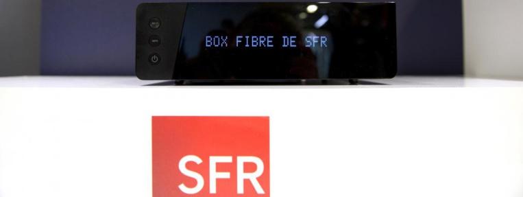 La nouvelle box SFR photographiée le 9 novembre 2015 à Paris.  (ALAIN JOCARD / AFP)