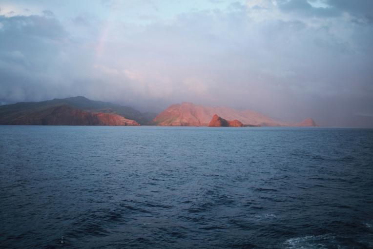Mercredi soir, les six tāvana ont rencontré l'investisseur de ce projet, Eugène Degage. (c. Tahiti Tourisme)