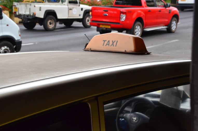 Les chauffeurs de taxi tirent la sonnette d'alarme face à la concurrence déloyale.