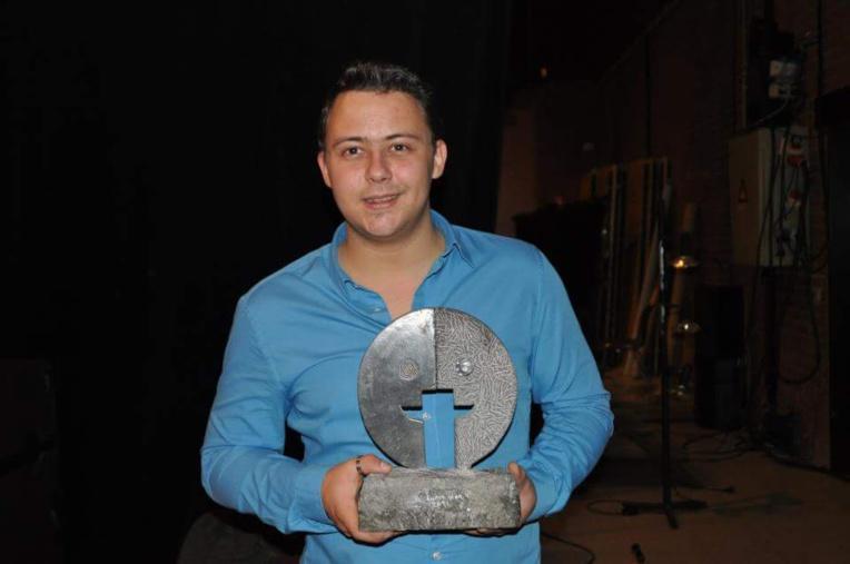 En 2011, Fabian Lecastel a remporté le Luron d'or aux Olympiades de l'imitation, en Belgique.