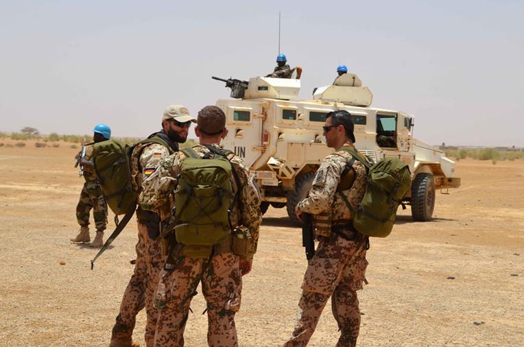 Mali: neuf morts dont un Casque bleu lors de deux attaques contre l'ONU