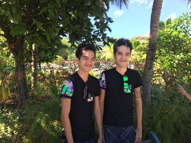 Rainui et Raiarii ont 20 ans et avouent aisément qu'ils finissent souvent la phrase de l'autre.