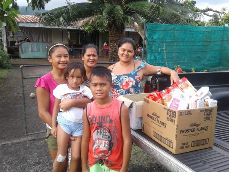 """Une vingtaine de familles ont été choisies pour cette première opération solidaire de l'année de l'association """"Rima Taure'a""""."""