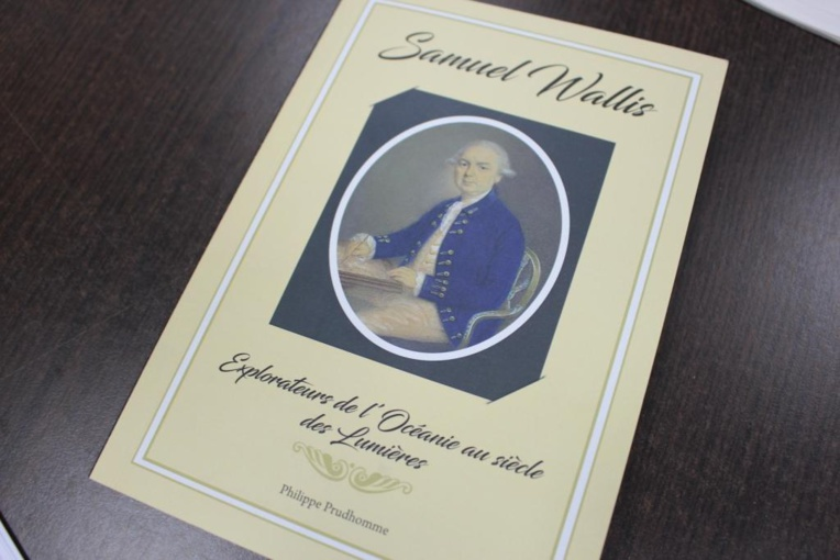 Philippe Prudhomme signe un ouvrage sur le navigateur Samuel  Wallis