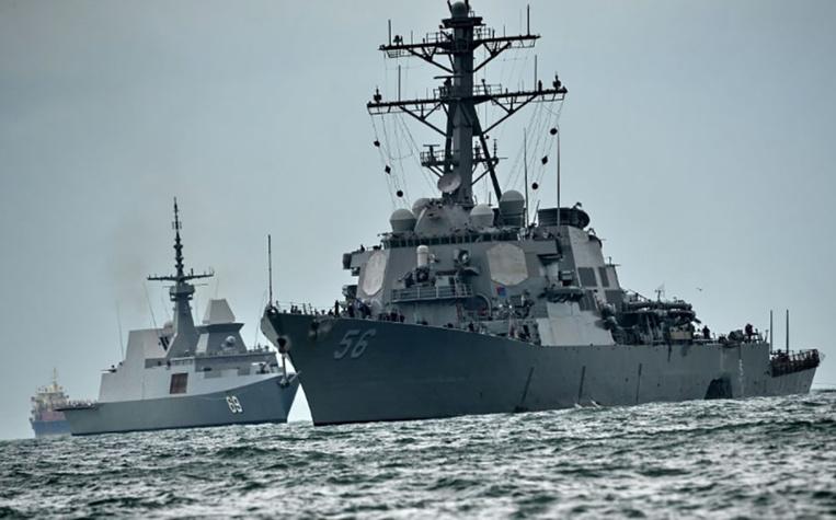 Collision au large de Singapour: 10 marins d'un destroyer américain portés disparus