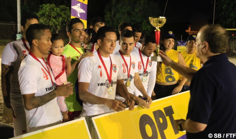 Raimana a reçu samedi le Trophée de l'OPT BS Tour