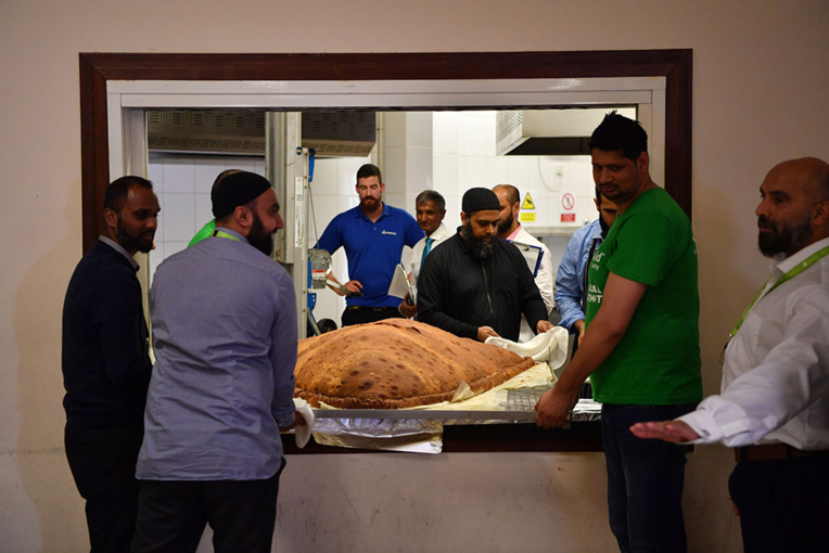 Record Guinness du plus grand samossa: 153 kg