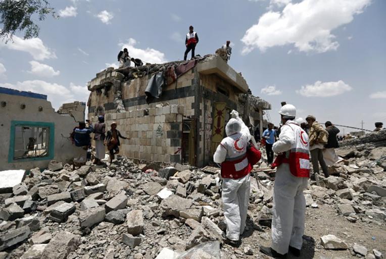 Des dizaines de morts dans des frappes aériennes au Yémen
