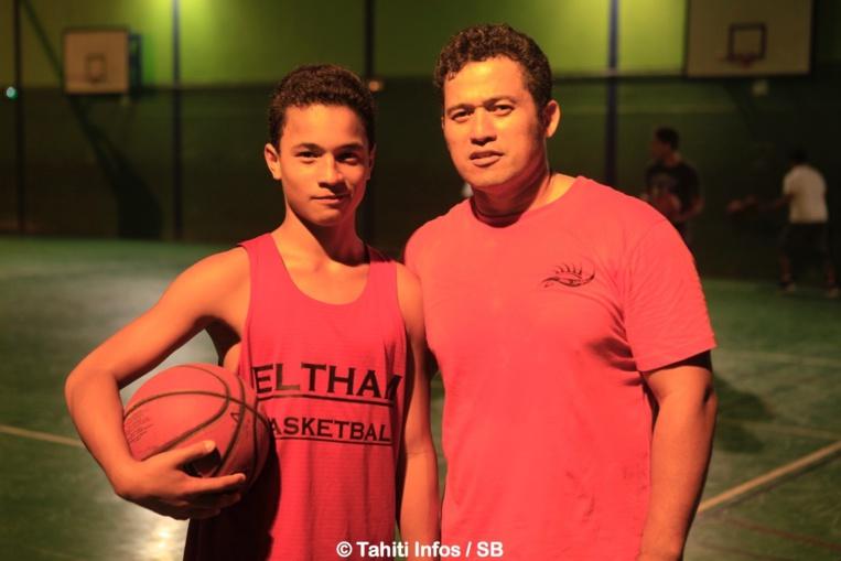 Ronny Puhetini et son fils