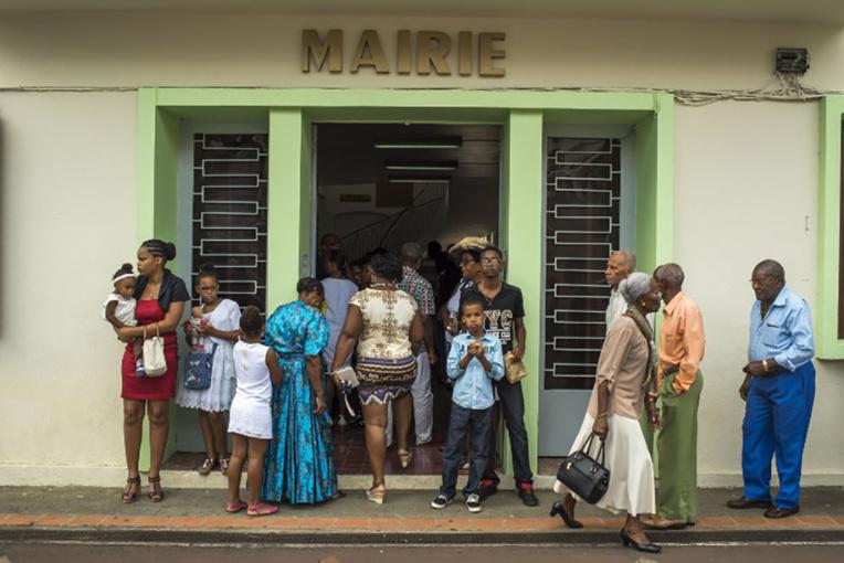 La baisse des contrats aidées fait grogner les maires de Martinique