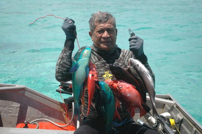 Anthony Paheroo lors d'une partie de pêche