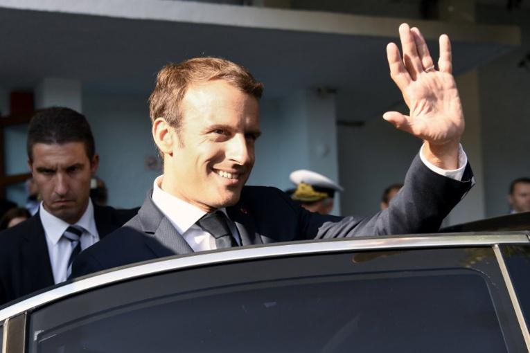 """L'Élysée, qui a confirmé le montant, a indiqué que ce poste de dépenses avait """"vocation à être réduit significativement"""". (Photo : Bertrand GUAY / AFP)"""
