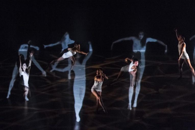 Porté par la compagnie de danse Okareka, le spectacle fait vivre une légende maorie.