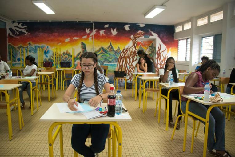 Contrats aidés: trois députés de Guadeloupe s'inquiètent pour la rentrée
