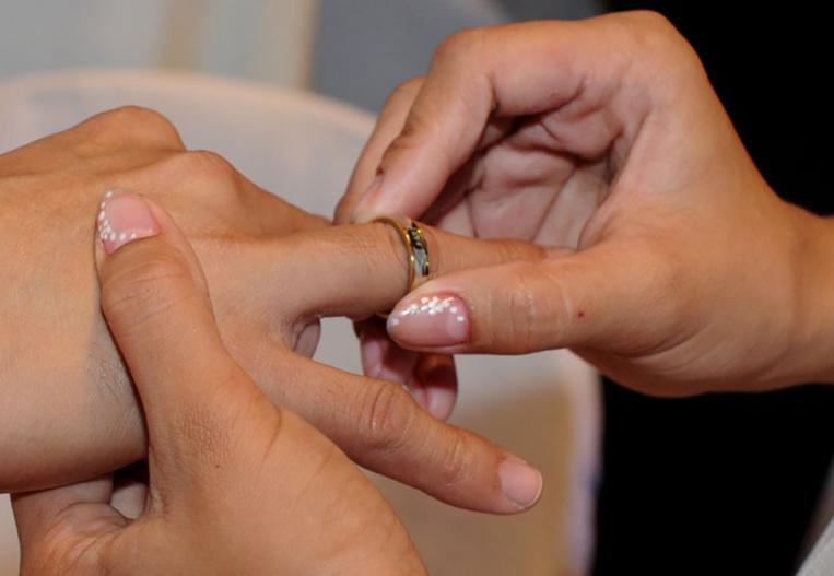 Demande de mariage en direct devant le pape François