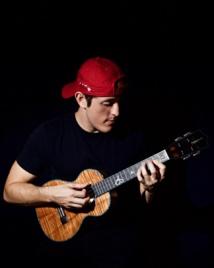 Andrew Molina : le 'ukulele dans la peau