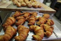 """Rentrée: le prix du croissant s'envole, les boulangers craignent une """"pénurie"""" de beurre"""