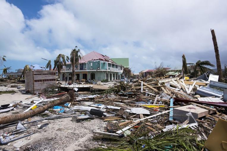 Irma fait neuf morts à Saint-Barth et Saint-Martin, en attente d'un nouveau cyclone