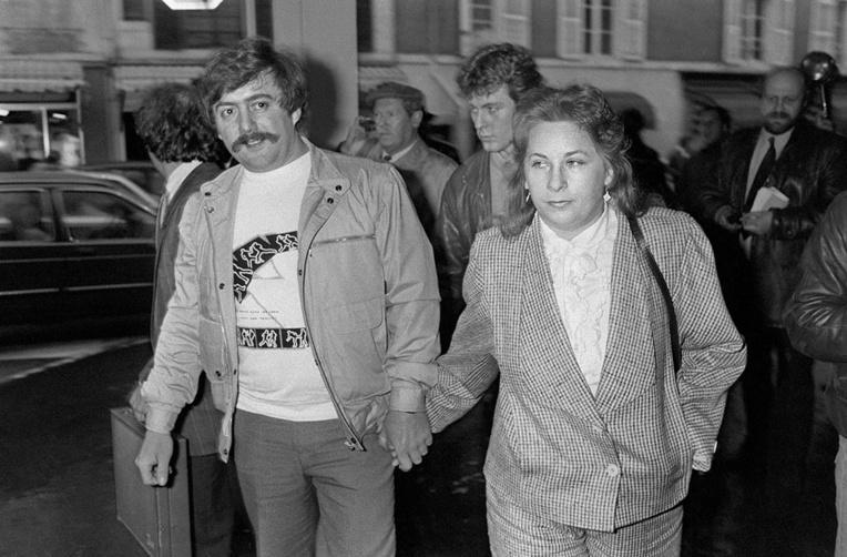 Bernard Laroche (ici à gauche) avait été le premier suspect de l'affaire avant d'être libéré en 1985 puis tué par son cousin Jean-Marie Villemin.