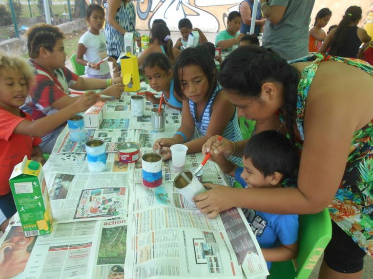 "Moorea : Atelier ""recyclage"" pour 20 enfants de Nuuroa"