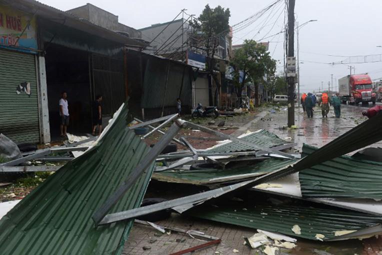 Vietnam: passage du typhon Doksuri, trois morts, des milliers d'évacués