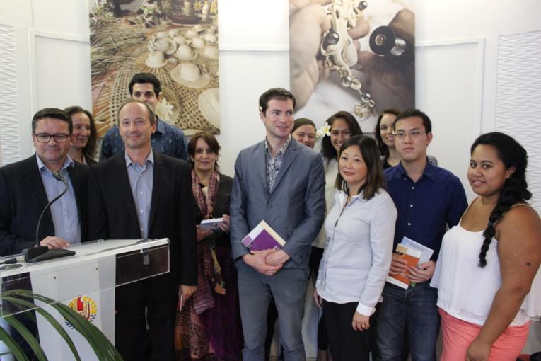 La remise des prix aux lauréats du concours littéraire de la Délégation de la Polynésie française s'est tenue jeudi à Paris, dans les locaux du boulevard Saint-Germain.