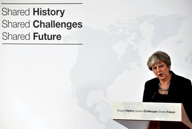 May plaide pour une période de transition de deux ans après le Brexit