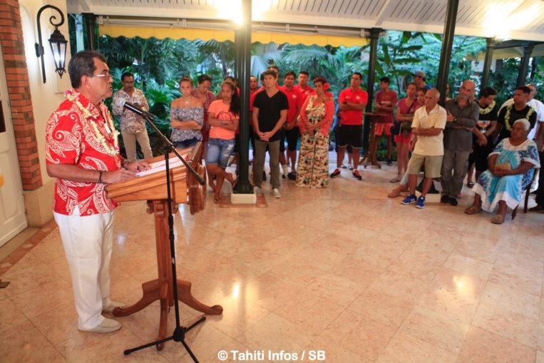 Le Président Fritch a débuté la cérémonie par un discours