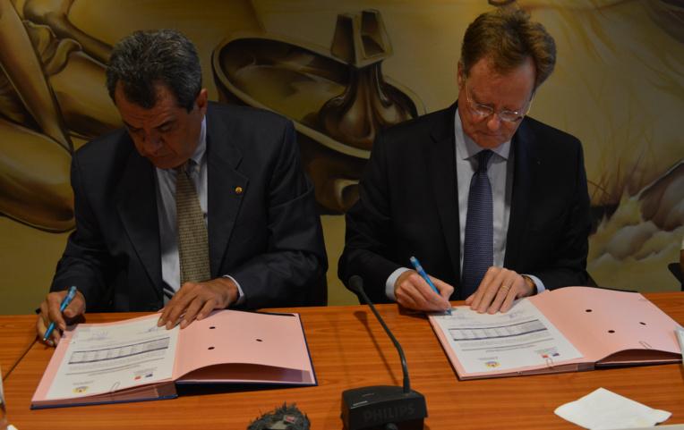 Cet après-midi, Edouard Fritch et René Bidal ont signé une décision conjointe fixant la programmation 2017.