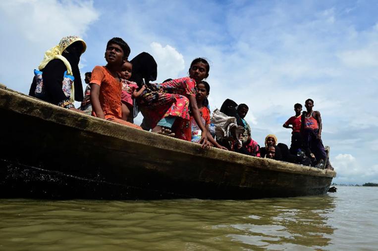 Bangladesh: au moins 14 morts dans le naufrage d'une embarcation de Rohingyas