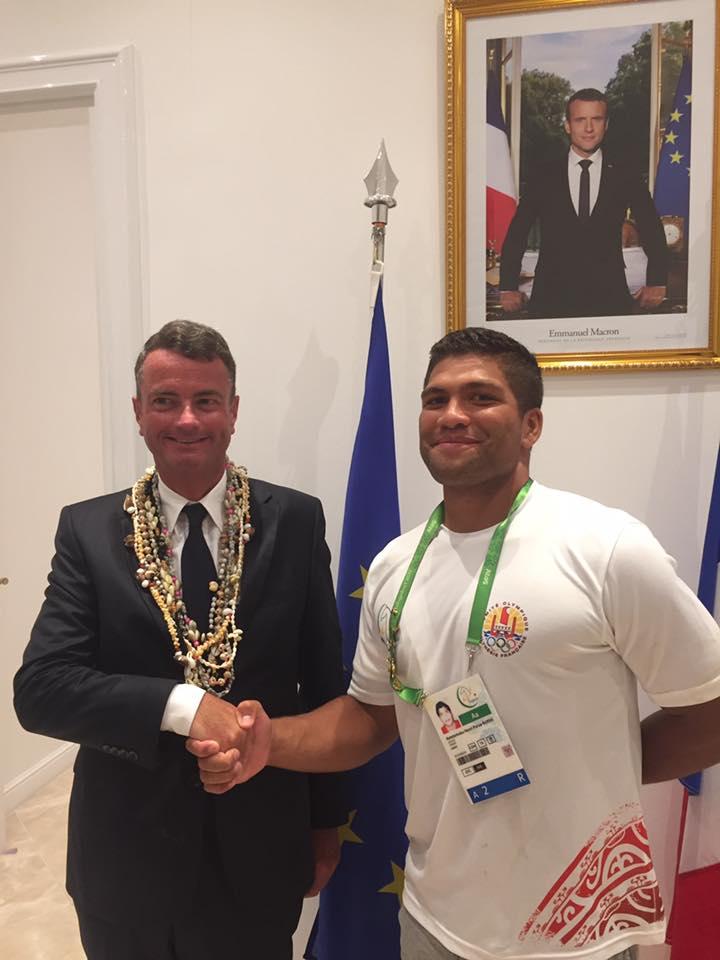 Avec l'ambassadeur de France