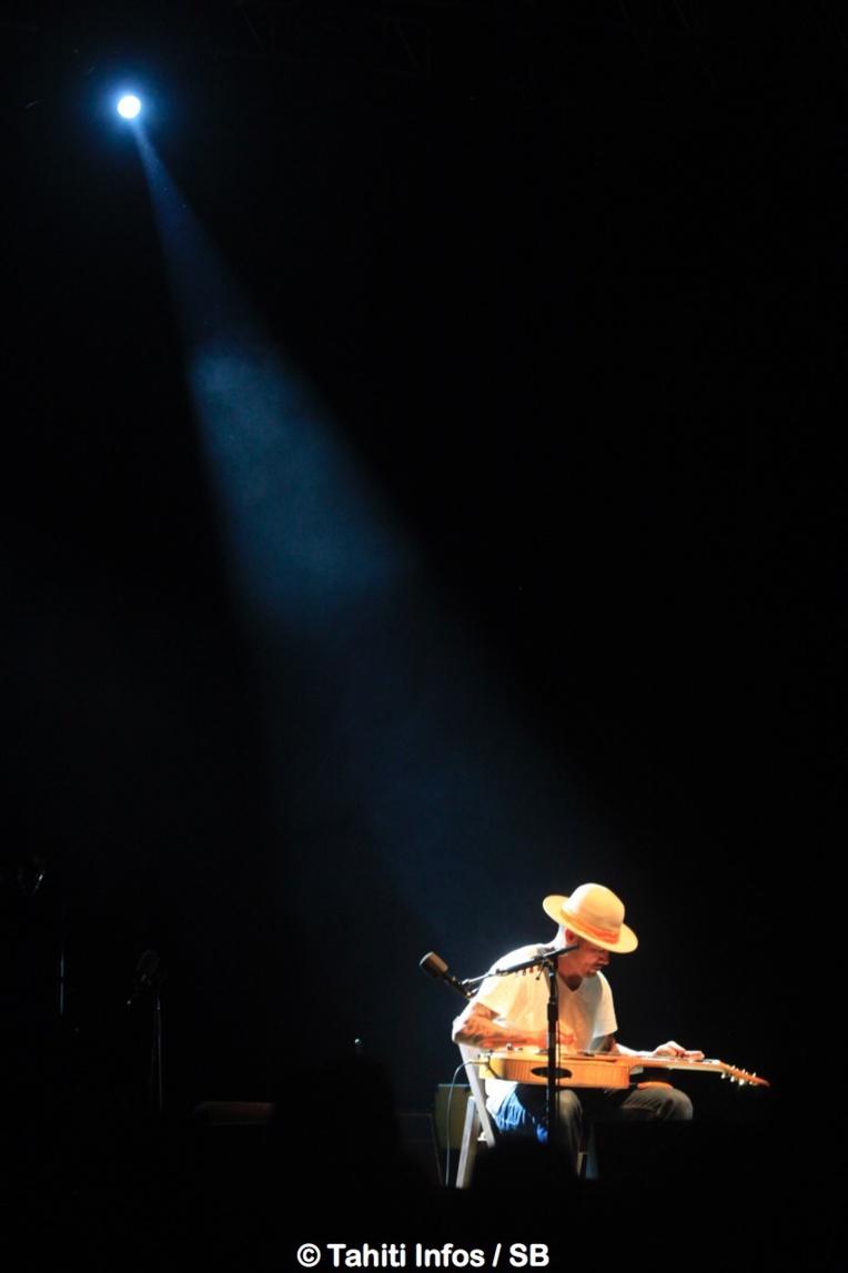 L'artiste a proposé un concert live qui sonnait juste