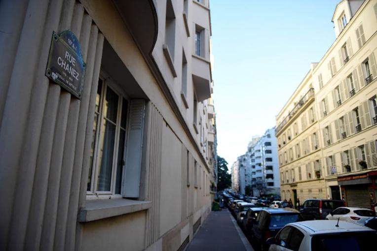 Bonbonnes de gaz à Paris: des suspects connus pour radicalisation, une cible qui interroge