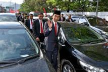 Coincé dans un bouchon, le président indonésien fait 2 km à pied