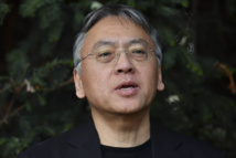 """Le Nobel de littérature au Britannique Ishiguro, auteur des """"Vestiges du jour"""""""