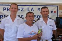 Le lieutenant de vaisseau Beurdeley (action de l'État en mer), Alain Côme (FEPSM) et Ronan Davy (JRCC)