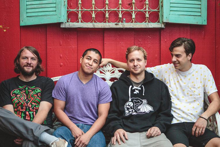 Formé en 2003, le groupe américain est composé de quatre membres : Ted Bowne (guitare et voix principale), Nick Kubley (basse et voix), Mike DeGuzman (synthétiseur) et Will Kubley (percussions).