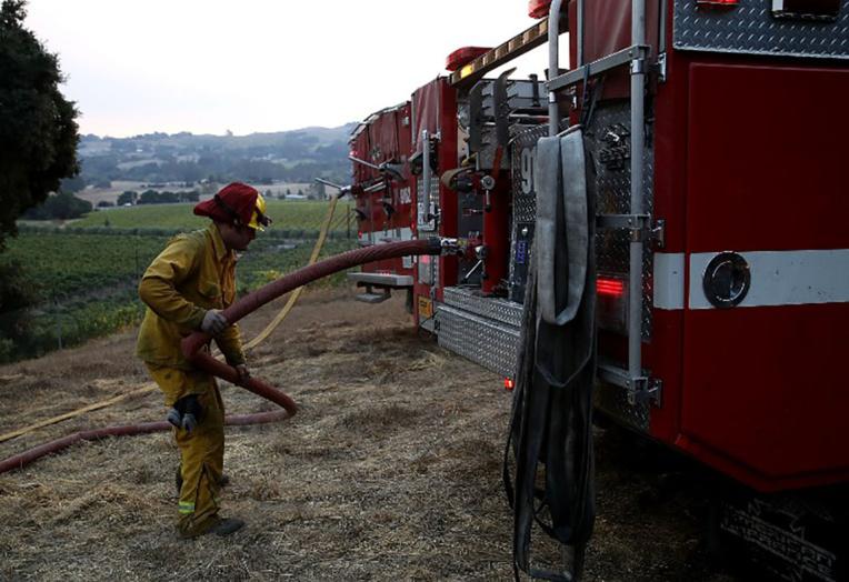 Des milliers de pompiers au front des feux de Californie