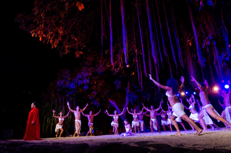 Pīna'ina'i est un spectacle qui fait résonner l'écho de l'esprit et des corps.