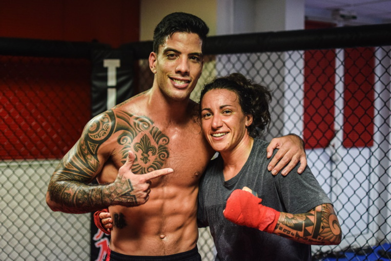 Flore Hani avec Raihere Dudes, son mentor tahitien
