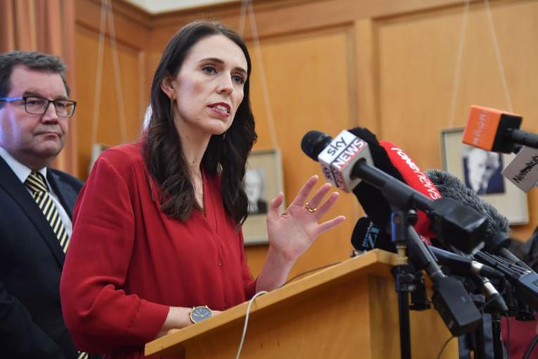 NZélande: la travailliste Ardern en position de former un gouvernement